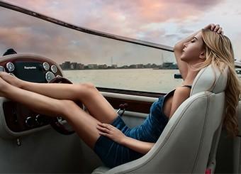 为什么游艇里都人美腿美