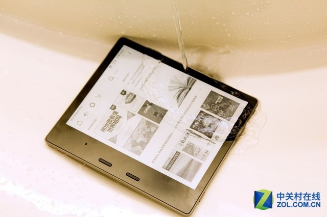 防水阅读好搭档 新版Kindle Oasis图赏