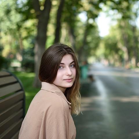 忧郁的乌克兰女孩