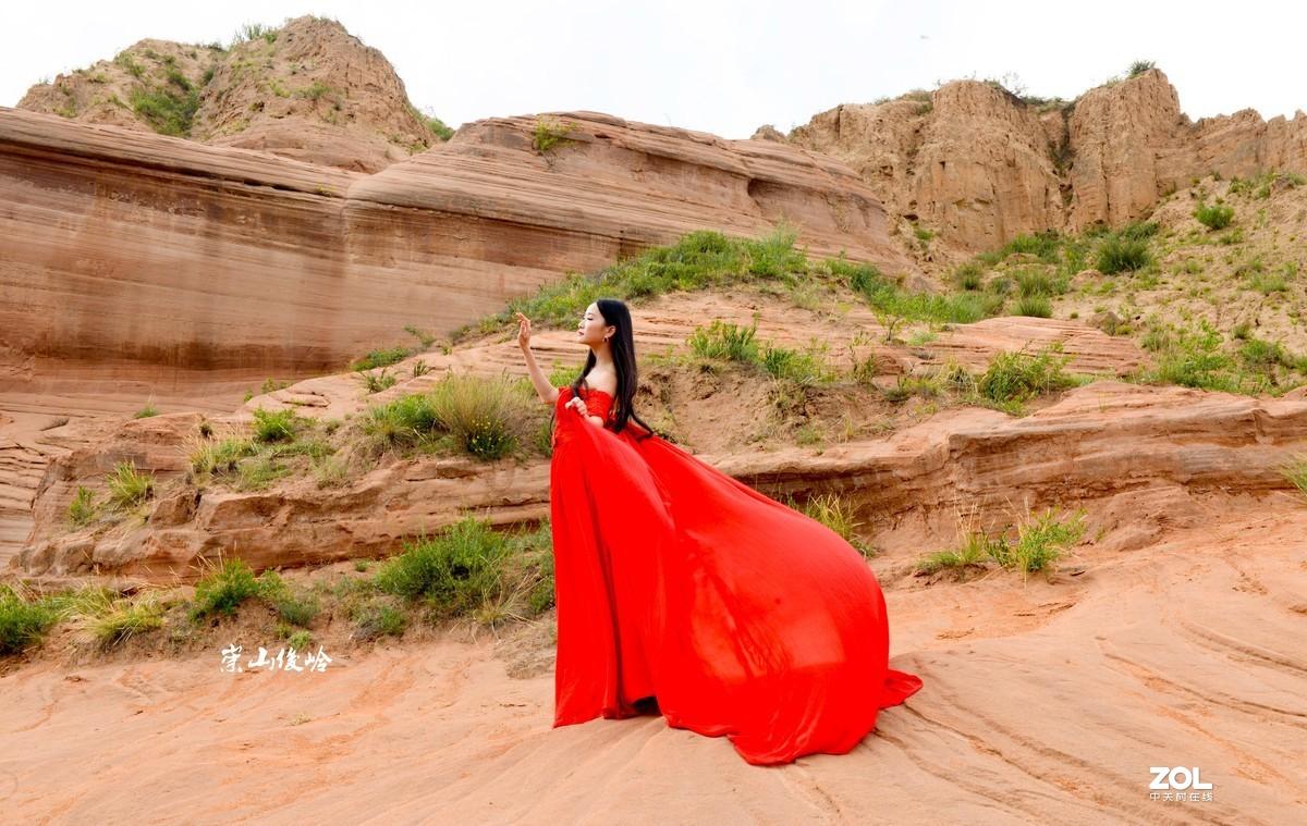 红衣女(人像)
