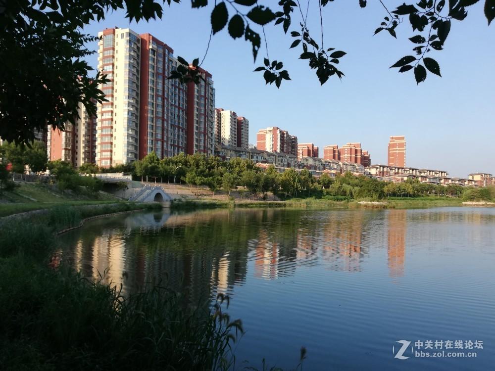 改革开放的40年后,衡水这座美丽的城市也变得天蓝水蓝,阳光明媚。为自己的家乡点赞!