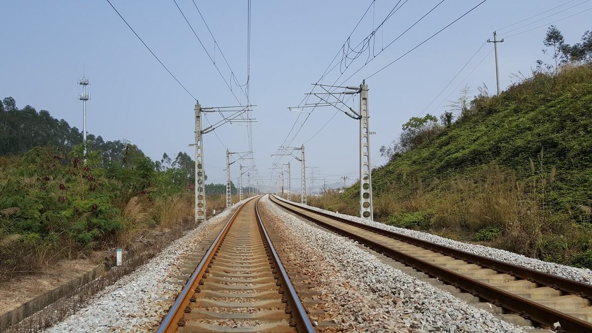 期盼已久的广珠铁路