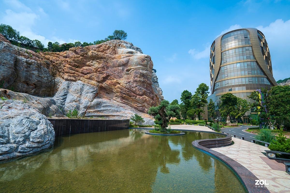 南京有个蜂巢酒店