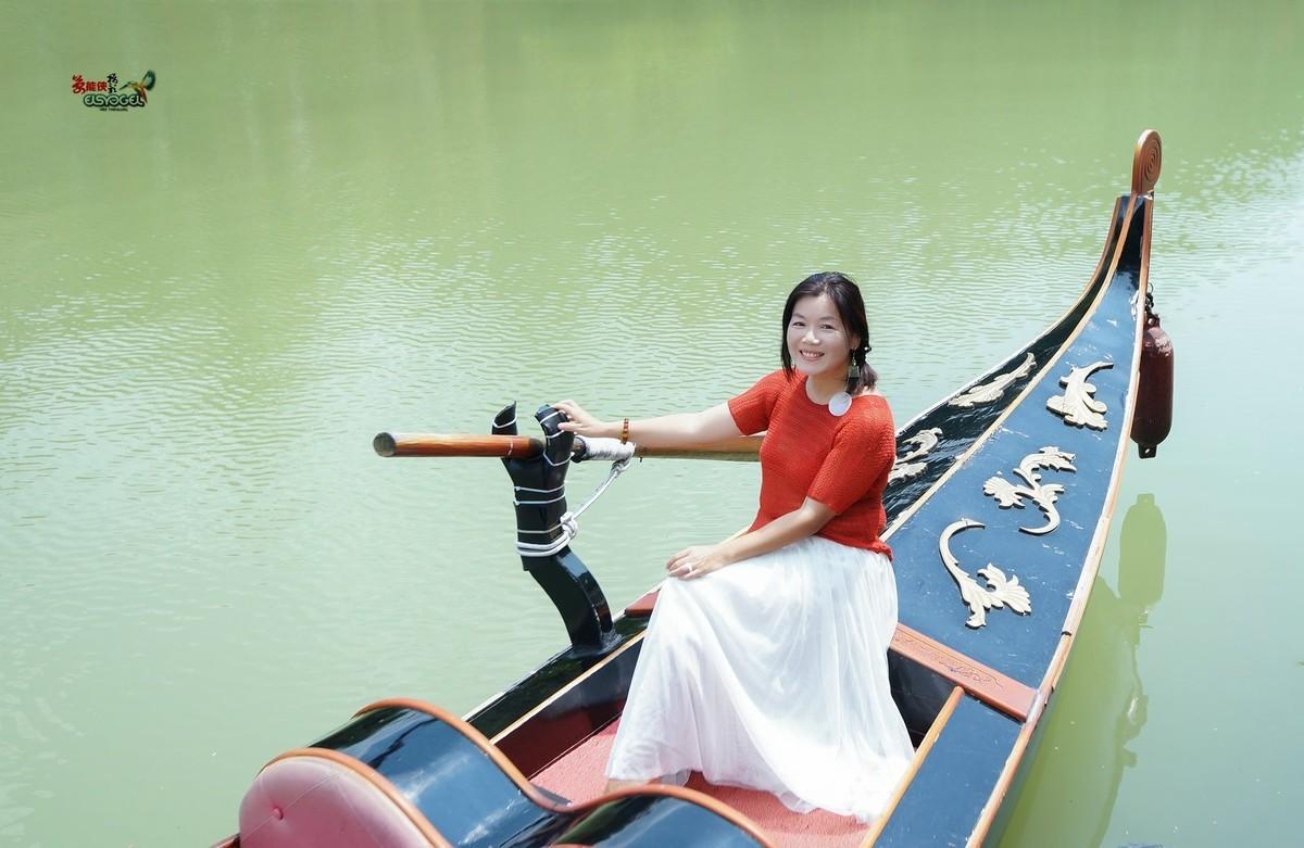 【九龙湖·尼罗河畔美女】---狐狸