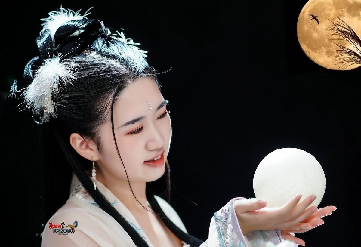 【中秋·嫦娥少女】---小香