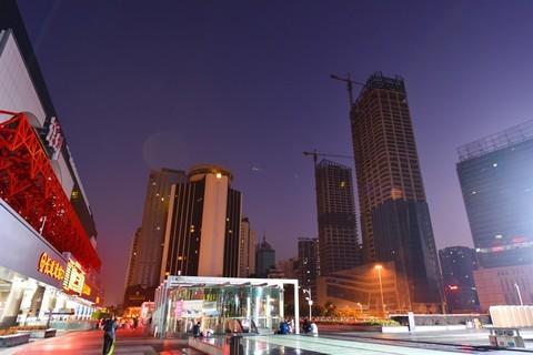 清晨的深圳火车站  2020 ( 31 ) Tie