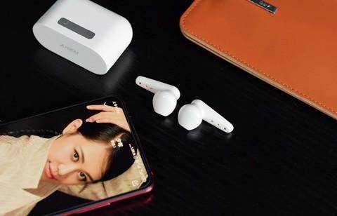 99元半入耳式西圣真无线蓝牙耳机轻盈舒适必是你耳畔的好声音