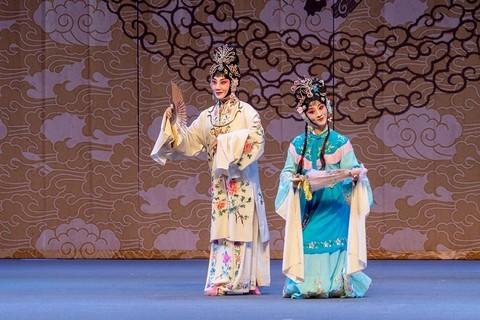 京剧---《春草闯堂》