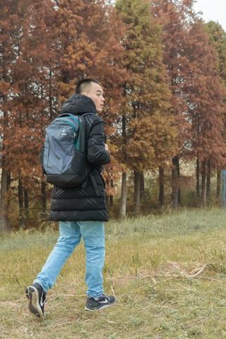 你的背包,背到现在还没烂,多特DEUTER户外通勤电脑包评测