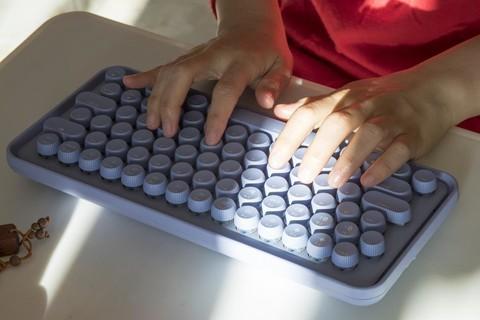 享受指尖敲击的岁月静好--雷柏ralemo键盘