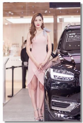 2020青岛秋季车展模特16