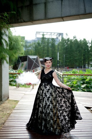 环境人像外拍---琴台公园的华玉美女!