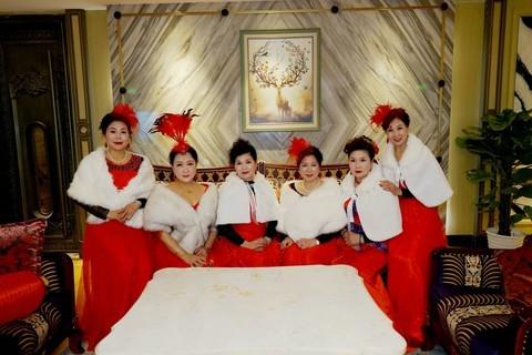 室内环境人像----玫瑰艺术团的美女们!