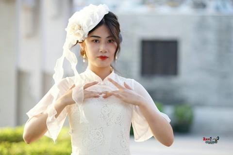 【洋装旗袍少女】---乐乐