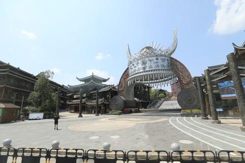 扩大旅游设施促进当地经济发展