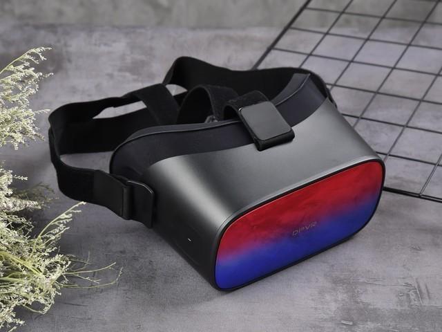 你的独享3D巨幕影厅 畅享千款无线VR游戏——大朋P1 Pro 4K免费试用