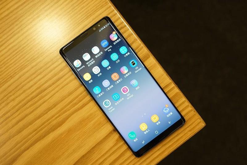 三星Note8真机入手图赏: 可能是目前屏占比最高的手机