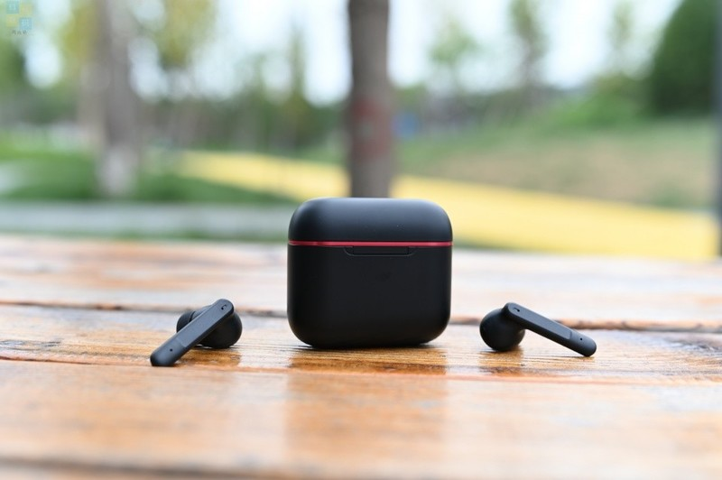 设计简约的游戏耳机,还支持主动降噪,双飞燕血手幽灵M90体验