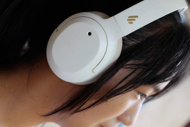 2021性价比最高的头戴式蓝牙耳机W820NB真香,颜值音质降噪都有了