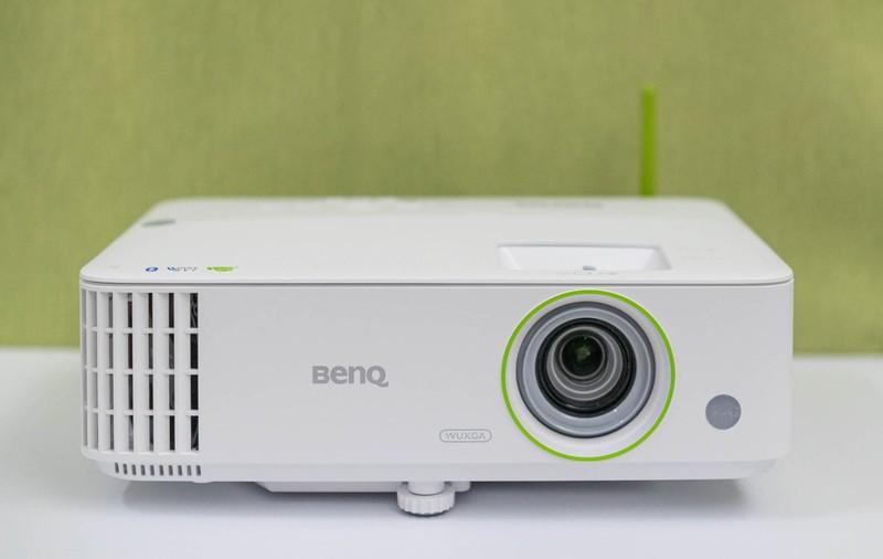 明基推出商务智能宽屏超清新旗舰 明基E590投影仪评测