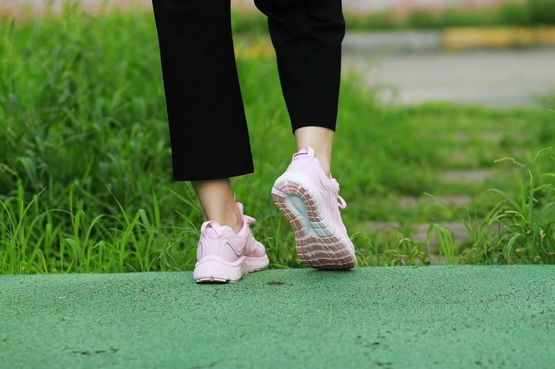 我的跑步装备 咕咚10K悦弹跑鞋